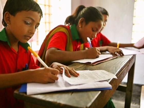 大人だって学びたい!バングラデシュ中州の村に大人の学校を!