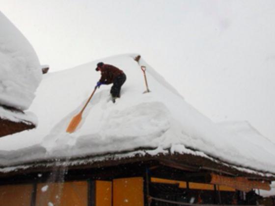 安全で安価な特許雪下ろし装置を普及し、豪雪地を救いたい!