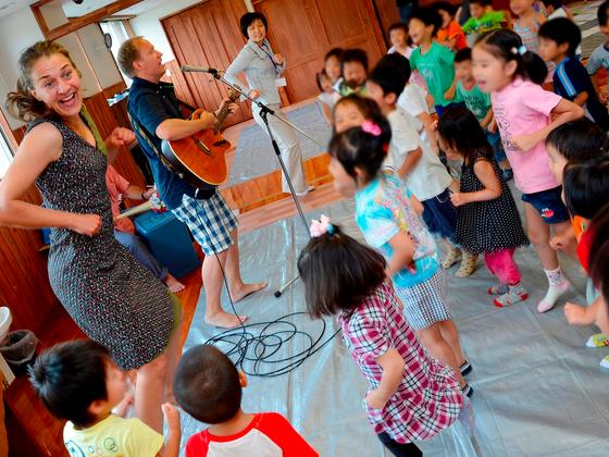神戸市灘区の小学校にアーティストが出かける出張授業がしたい!