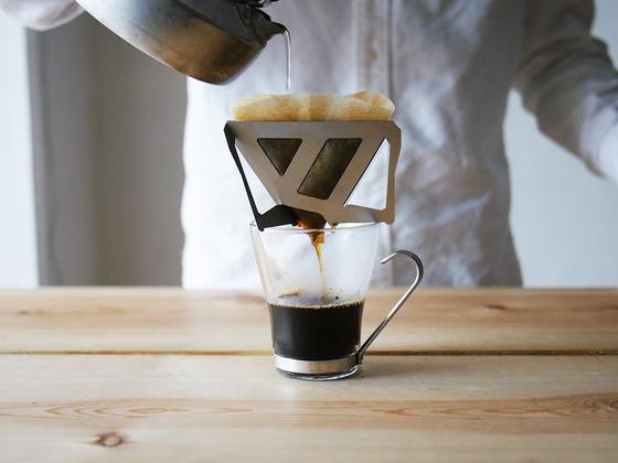 携帯性、使いやすさ、美味しさを追求したコーヒードリッパー作り