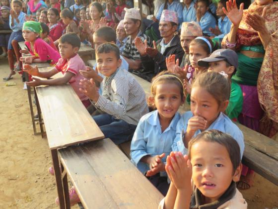 ネパール地震で倒壊した学校を再建し、650人に学習環境を!