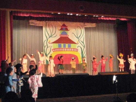 東日本大震災で被災した小学校の子どもたちに、本物の演劇を!