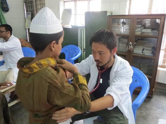 バングラデシュの患者を救え!最高の授業をナースの卵に届けよう