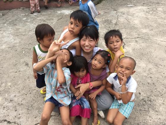セブ島のスラム街の子供達に文具品を届け、青空教室を開催したい