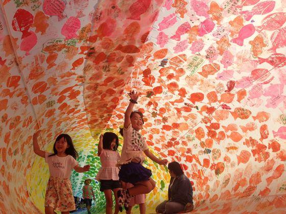 神戸で、子供達の夢が詰まった大きなこいのぼりを24匹揚げたい!