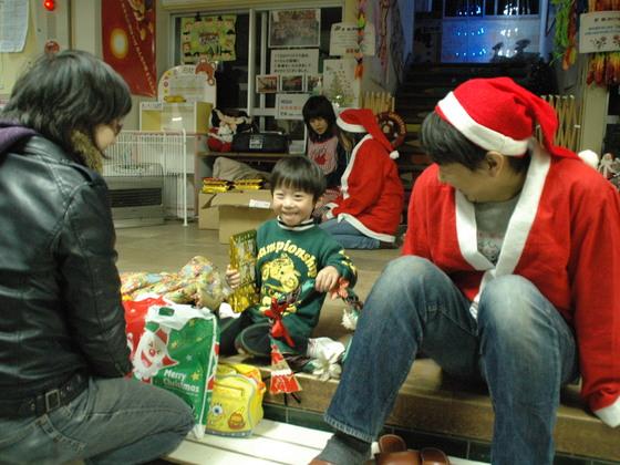 被災した岩手の子どもたちへ世界で一つのクリスマス絵本をプレゼント