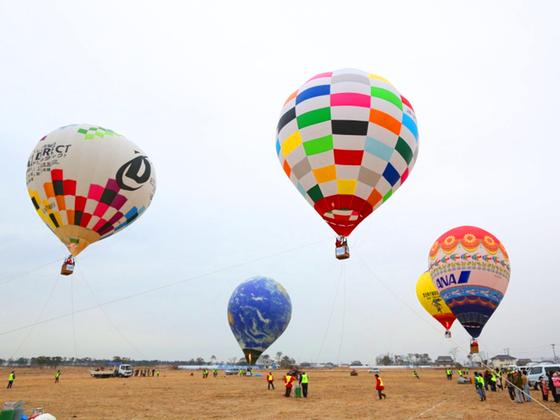 被災した宮城県亘理町の沿岸部で熱気球フェスティバルを開催!