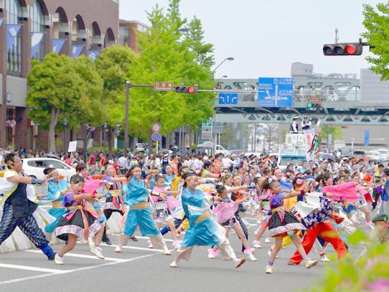 その先に夢がある~横浜よさこい祭りの会場装飾を皆の手で実現~
