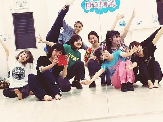 大阪府熊取町の子ども達に大型鏡9枚購入しダンス環境を整えたい