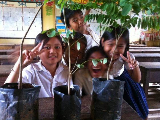 地雷の国カンボジアを薬草の国へ! 小学校に薬草園を作って村を救いたい!