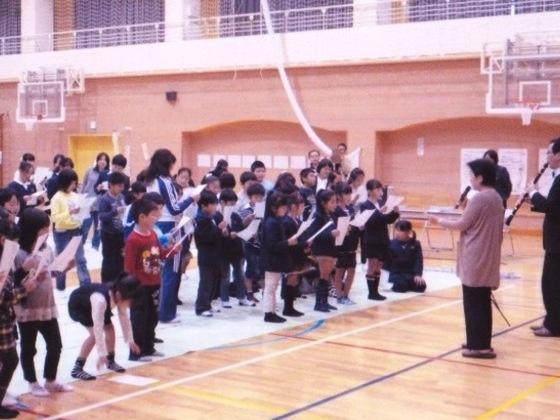 福島の子供と仮設住宅で暮らすお年寄りに音楽で笑顔を届けたい!