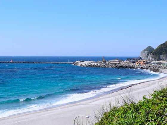 日本一の透明度の海に囲まれた伊豆・神津島にゲストハウスを!