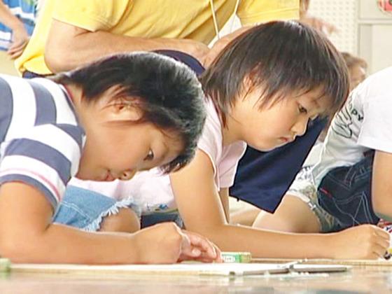 子どもたちの絵画による国際交流事業をカザフスタンの万博で開催