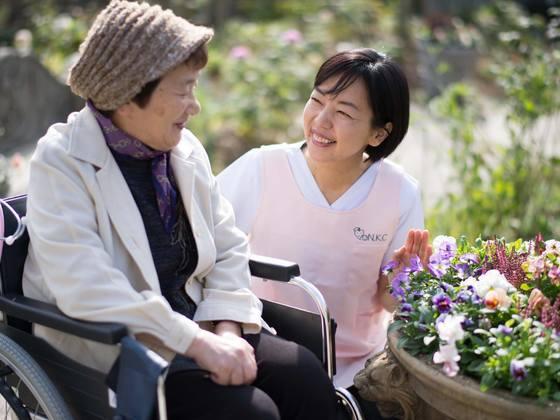 看護師の受診同行サービスで、遠距離介護者の負担を軽減したい!