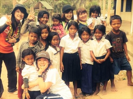 カンボジア サンバ村の小学生にスポーツの楽しさを教えたい!