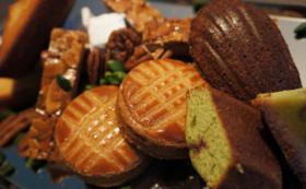 新商品ジェラートとオープン記念焼き菓子詰め合わせ、コーヒーチケット10杯分