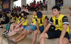 地元サッカーチームのレプリカユニフォーム