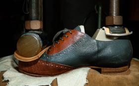 【オーダー靴 吉靴房】オーダー靴職人による足の採寸体験