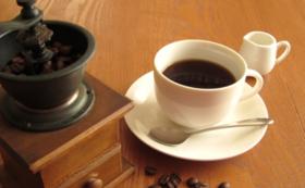 【emmy café】ドリンクバー、ランチ無料券