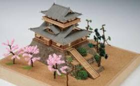I.丸岡城・木製模型完成品と、立体間取り作品集「妄想建築」初版