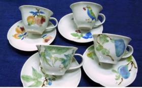 ●オリジナル椿柄輪花 コーヒーカップ&ソーサー
