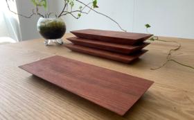 再生した一枚板rewoodから作られる「銘木プレート2枚セット」※樹種おまかせ