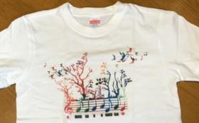 ロゴ入りTシャツ《森が音楽会バージョン》XSコース