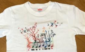 ロゴ入りTシャツ《森が音楽会バージョン》XLコース