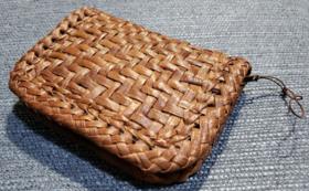 山葡萄編み組み財布
