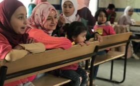 ★10,000円支援コース:ご支援の多くがシリア難民キャンプの授業運営に使われます