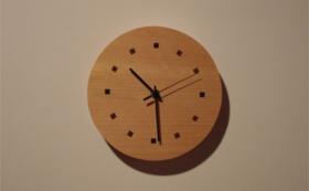 KAKIキャビネットメーカの時計