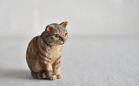 はしもとみお 彫刻作品「おすわり猫」コース