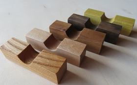 【なないろからの贈り物】地元産の銘木で作った箸置きセット