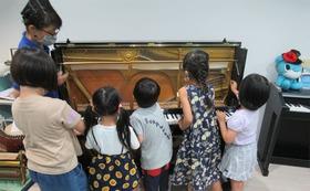 ピアノ寄贈先での「ミニ★音のふしぎ発見教室」開催スポンサー権