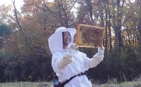 つむぎ養蜂園代表 阿久津 瞳にインタビュー