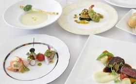 ペアご宿泊券(1泊2食)ご夕食はフランス料理フルコースディナー