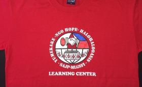 NGOのスタッフTシャツ(肩口に名前を入れられます)とトートバッグ