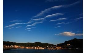 私のオリジナルプリント 沼島(3)    『残照の沼島港』をお送りします。