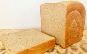 食パン1斤を子ども食堂にプレゼント