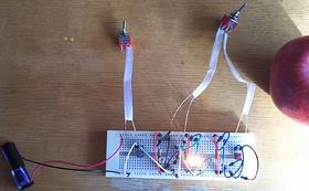 この防災ライトの作製方法を出張製作で説明します。
