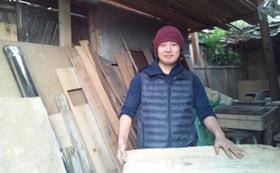 大名支援:木漆工芸を志す若い職人が、丹精込めて彫るお盆!