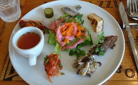 昼食はイタリアンで♪湘南オリーブの聖地・二宮オリーブ農園見学ツアーにご招待!