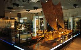 あなたが博物館を独占! 研究者とめぐる贅沢な展示ツアー。夕食つき