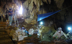 気鋭の現地研究者が案内。3万~2万年前の沖縄の重要遺跡調査体験