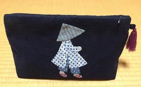 ハンドメイド「メコンキルト」の刺繍いりポーチをプレゼント