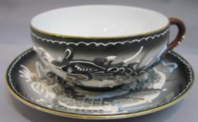 名古屋陶磁器会館の芸者透かしカップとソーサー1客セット
