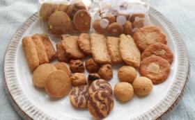 ポストカードと手作りクッキーのセット