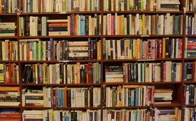 <走るブックカフェ>にあなたの好きな本を置ける権利