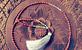108の数珠~マラ・ネックレス(天然石と菩提樹の実)