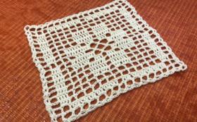 手作りの編み物雑貨